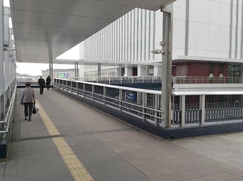 ③戸塚区役所に向かって歩きます